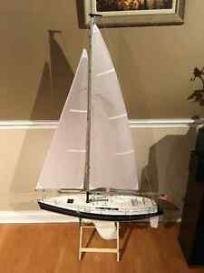1 METRE RC SAILBOAT NEW NEVER IN WATER