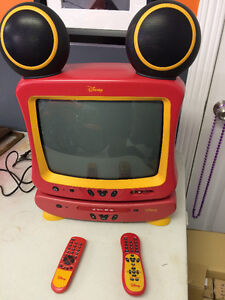 Disney TV and DVD Player Combo. I great working condition.