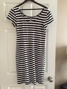 Thyme Maternity Dress Size M