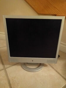 "17"" HP LCD MONITOR W/ ACCESSORIES ONLY $45!!"