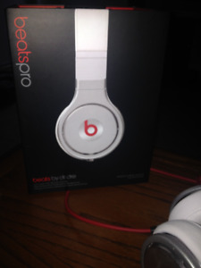 Beats Pro White Headphones by Dr. Dre (Perfect Condition)