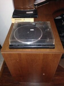 Pioneer PL-570 Record Player