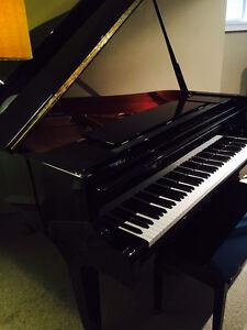 BABY GRAND KAWAI PIANO