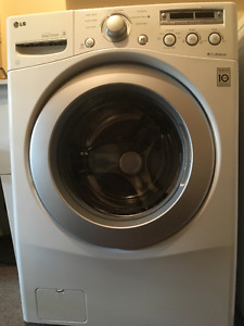 LG 4.1 Cu.Ft.  Front Load Washer, Excellent Condition