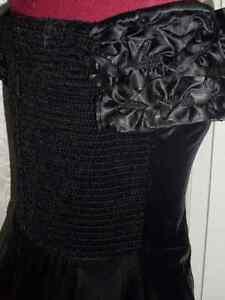 Black Velvet Off-Shoulder Sweetheart Gown Windsor Region Ontario image 5