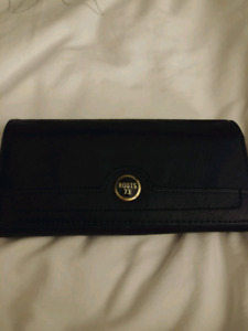 Roots 73 Wallet