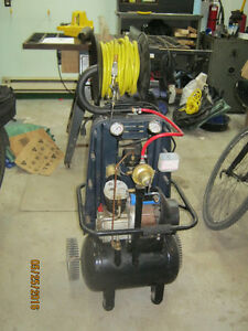 Compresseur air / air compressor with reel hose