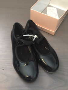Bloch brand tap shoes like new, size 12