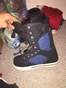 Thirty two size 7 snowboard boots Strathcona County Edmonton Area image 3