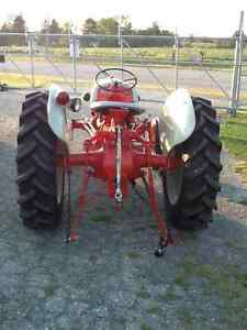 TRACTOR 1950 FORD 8N London Ontario image 2