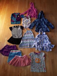 Lot de vêtements pour fille de 4 ans
