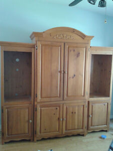 Meuble en bois pour télévision ou chambre