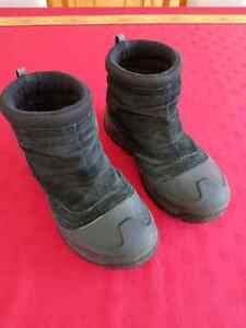 Columbia Black Snow Boot Pre Owned
