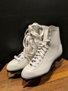 CCM Finesse White Leather Size 10 Figure Skates