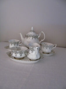 Royal Albert Tea set '25th Anniversary'