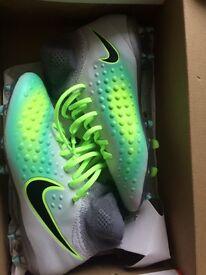 JR Nike Magista Obra II FG UK5