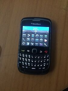 BB9300 excellent condition cheap unlock works with all carrier