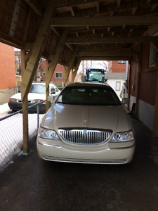 2004 Lincoln Town Car Ultime Berline