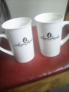 2 Tasses Laura Secord / 2 Laura Secord Mugs
