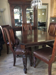 Gorgeous Mahognay Dining Room Set