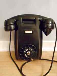 Vintage Art Deco Bakelite Wall Phone ericsson retro TELEPHONE West Island Greater Montréal image 1
