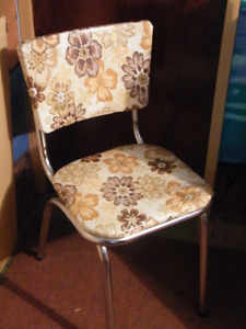 MUST GO - Vintage Chairs