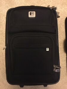2 Kenneth Cole carry on luggage