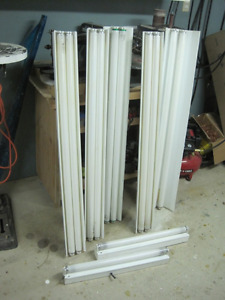 4 ft florescent light fixtures FREE 2 2ft if you buy the 4fts