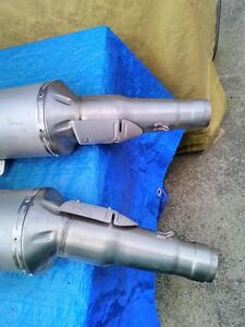 APRILIA RSV1000R 2009 OEM STOCK EXHAUST CANISTERS WITH NO KM Windsor Region Ontario image 3