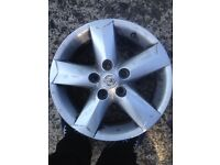 Set of 4 nissan alloys