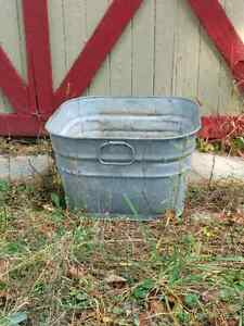Vintage GSW Square Farm  Galvanized Wash Tub Planter Rustic  Kitchener / Waterloo Kitchener Area image 1