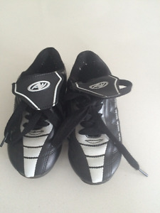 Kid's Outdoor Soccer Shoes Size 9
