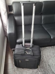e4fc003dc New Luggage Samsonite | Find Used Stuff for Sale in Ontario | Kijiji ...