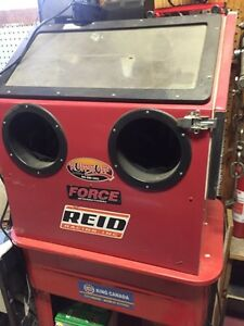 Force media blast cabinet and parts washing tank