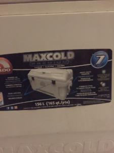156 L MaxCold Premium Cooler