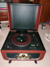 Record player - vintage style with CD player, radio and USB