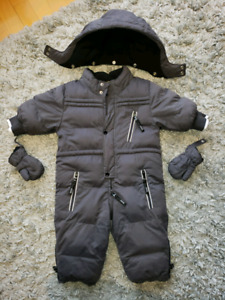 Authentic Hugo Boss baby snowsuit with mittens and detachable ho