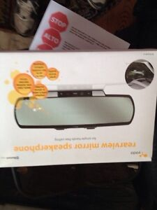 Bluetooth rear view mirror speakerphone