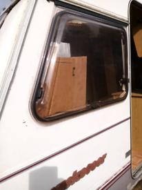 Muscateer caravan windows