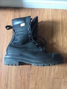 Reduced - Terra steel toe GORE-TEX  Boot - Size 10
