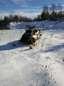 2003 mxzx 600ho skidoo to trade for a street and trail