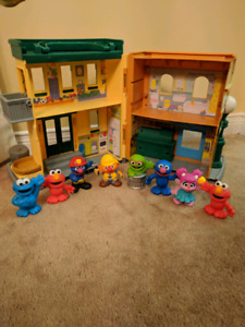 Sesame Street store and characters