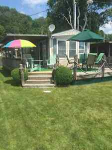 Beautiful Park Model Trailer Located Near Golf Courses and Beach