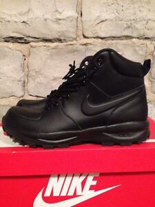 Nike boot size 8 Kingston Kingston Area image 1