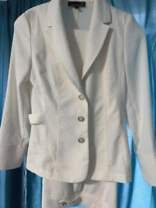 Winter White Laura Petites Suit- Worn Once
