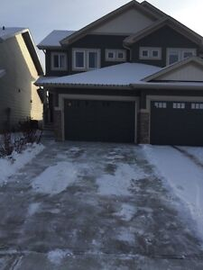 Loaded duplex in Windermere finished basement for rent
