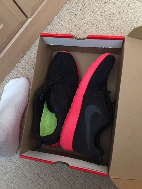 glwma Brand new Nike roshe runs. U.K. Size 9. Rare | in Sunderland, Tyne