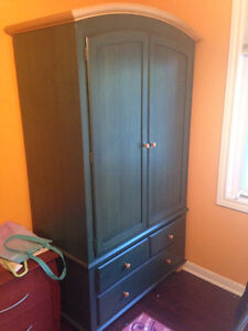 Beautiful Forest Green Armoire ***$275*** London Ontario image 4
