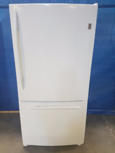 General Electric 19 cub Bottom Freezer Energy Star Rated