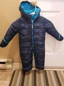 Like new condition Carters Snowsuit Size 24m